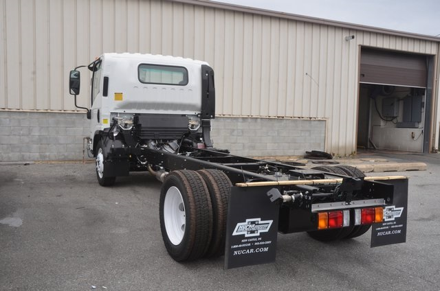 2016 Low Cab Forward Regular Cab, Cab Chassis #C61865 - photo 2