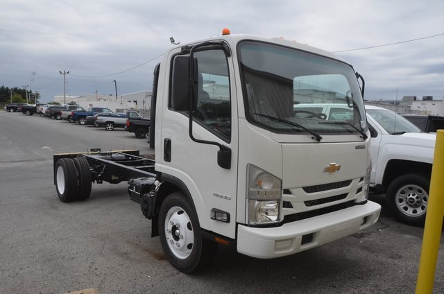 2016 Low Cab Forward Regular Cab, Cab Chassis #C61865 - photo 6