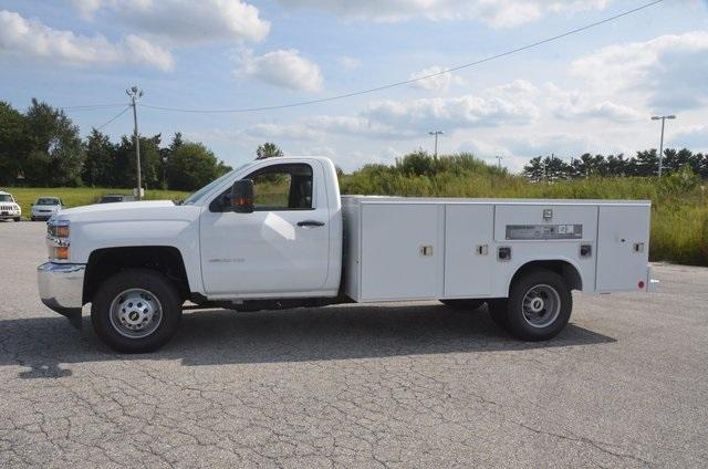 2017 Silverado 3500 Regular Cab DRW 4x4, Reading SL Service Body #C72662 - photo 3