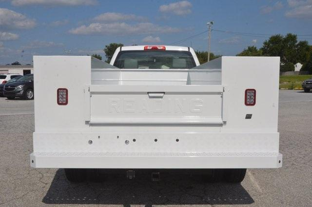 2017 Silverado 3500 Regular Cab DRW 4x4, Reading SL Service Body #C72662 - photo 4