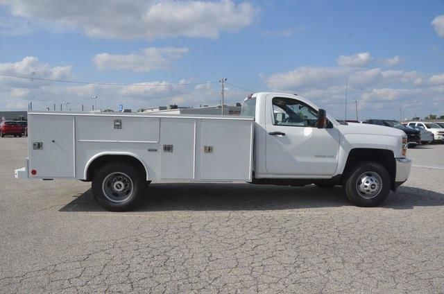 2017 Silverado 3500 Regular Cab DRW 4x4, Reading SL Service Body #C72662 - photo 6