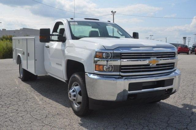 2017 Silverado 3500 Regular Cab DRW 4x4, Reading SL Service Body #C72662 - photo 7