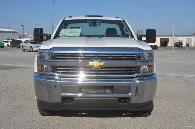 2017 Silverado 3500 Regular Cab DRW, Reading SL Service Body #C72978 - photo 6