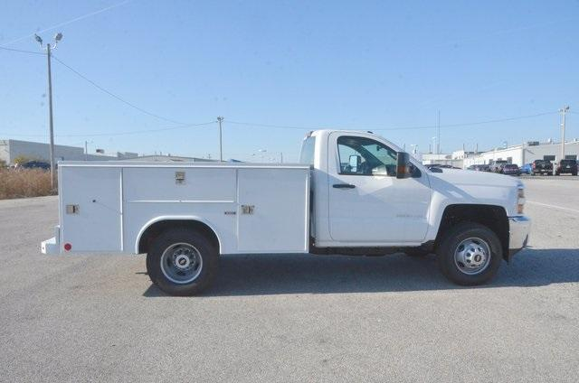 2017 Silverado 3500 Regular Cab DRW, Reading SL Service Body #C72978 - photo 7
