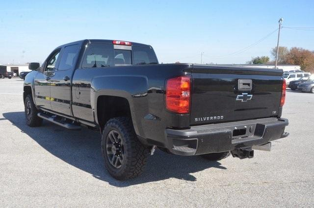 2018 Silverado 2500 Crew Cab 4x4 Pickup #C80289 - photo 2
