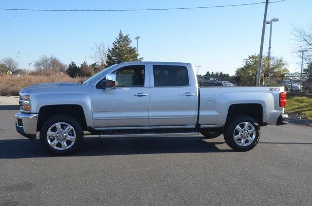 2018 Silverado 2500 Crew Cab 4x4 Pickup #C80404 - photo 3