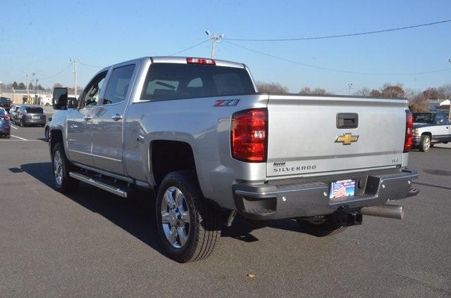 2018 Silverado 2500 Crew Cab 4x4 Pickup #C80404 - photo 2