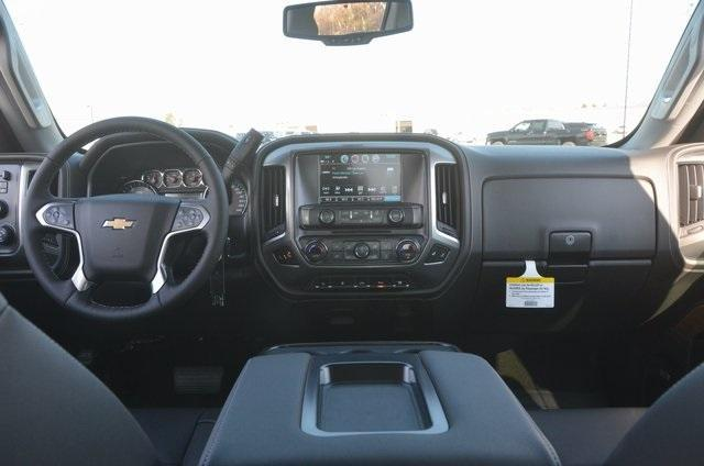 2018 Silverado 3500 Crew Cab 4x4 Pickup #C80426 - photo 10