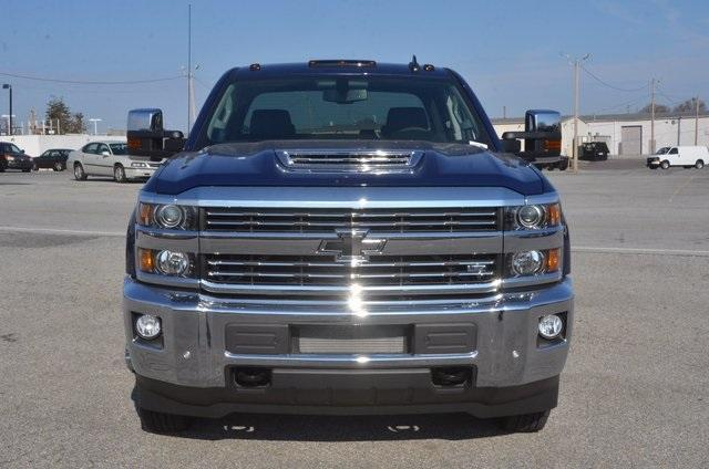 2018 Silverado 3500 Crew Cab 4x4 Pickup #C80426 - photo 9