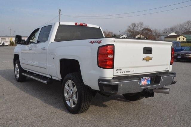 2018 Silverado 2500 Crew Cab 4x4 Pickup #C80458 - photo 2