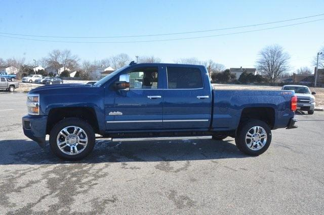 2018 Silverado 2500 Crew Cab 4x4, Pickup #C80641 - photo 3