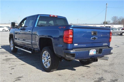 2018 Silverado 2500 Crew Cab 4x4, Pickup #C80641 - photo 2