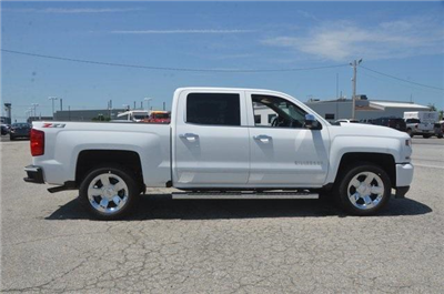 2018 Silverado 1500 Crew Cab 4x4,  Pickup #C81318 - photo 7