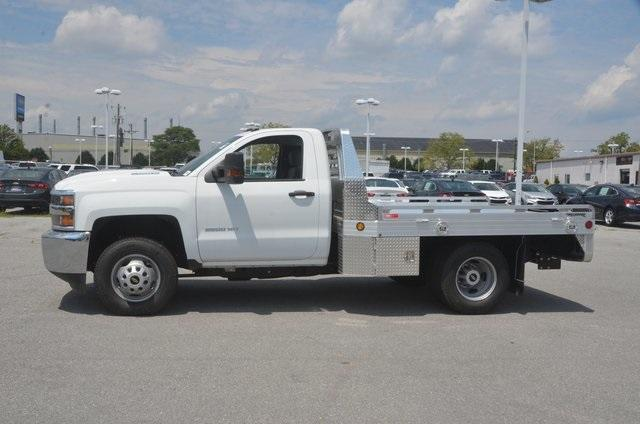 2018 Silverado 3500 Regular Cab DRW 4x2,  Hillsboro Platform Body #C81513 - photo 3