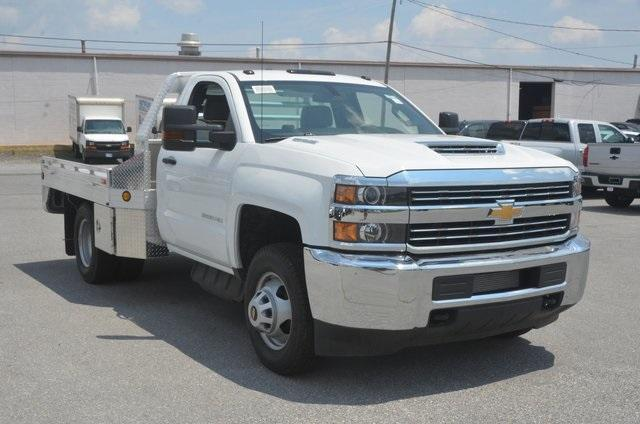2018 Silverado 3500 Regular Cab DRW 4x2,  Hillsboro Platform Body #C81513 - photo 7
