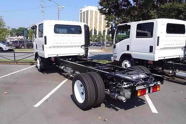 2021 LCF 4500 Crew Cab 4x2,  Cab Chassis #CM00753 - photo 4