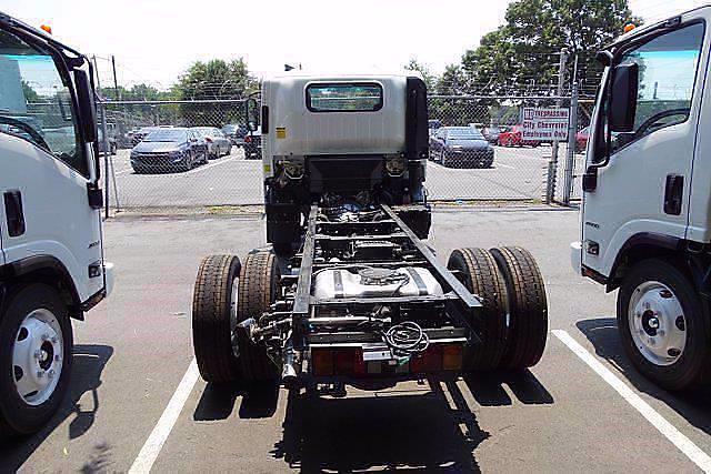 2021 LCF 4500 Regular Cab 4x2,  PJ's Truck Bodies Landscape Dump #CM04724 - photo 5