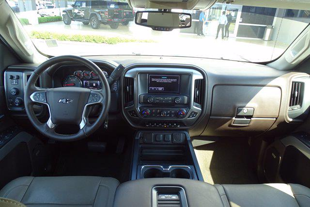 2017 Chevrolet Silverado 2500 Crew Cab 4x4, Pickup #CM21815A - photo 19