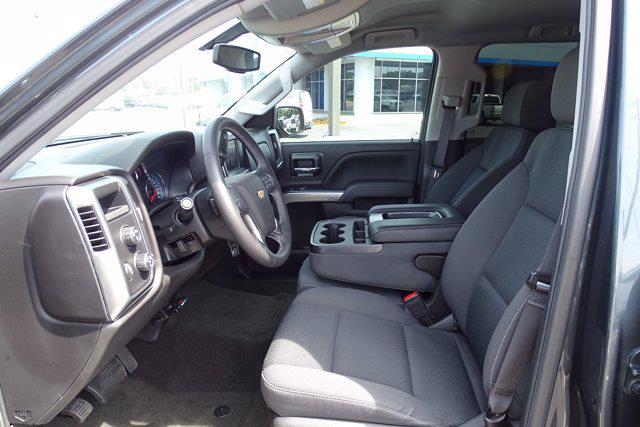 2017 Chevrolet Silverado 1500 Crew Cab 4x4, Pickup #CM30493B - photo 19