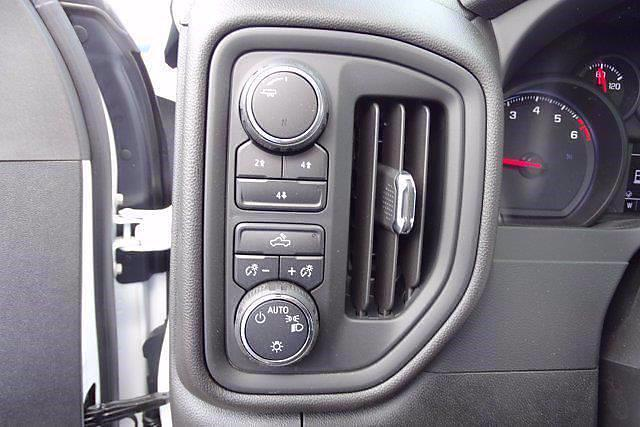 2021 Chevrolet Silverado 3500 Crew Cab AWD, Knapheide Value-Master X Platform Body #CM31805 - photo 13