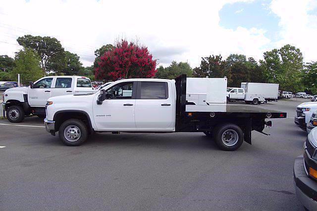 2021 Chevrolet Silverado 3500 Crew Cab AWD, Knapheide Value-Master X Platform Body #CM31805 - photo 3