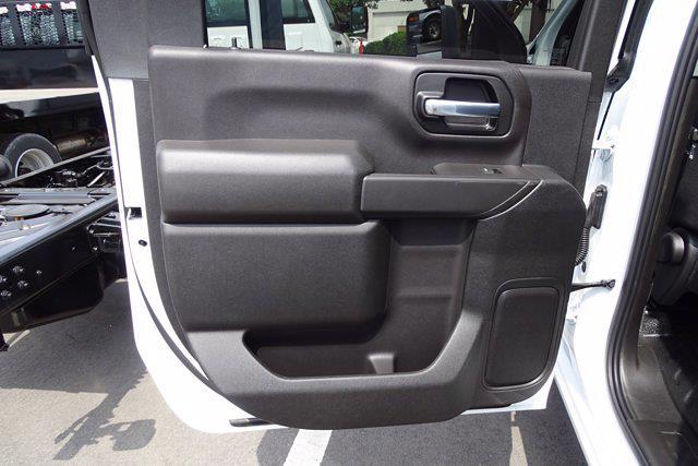 2021 Chevrolet Silverado 3500 Crew Cab AWD, Cab Chassis #CM46290 - photo 19