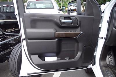 2021 Chevrolet Silverado 3500 Crew Cab AWD, Cab Chassis #CM46290 - photo 10