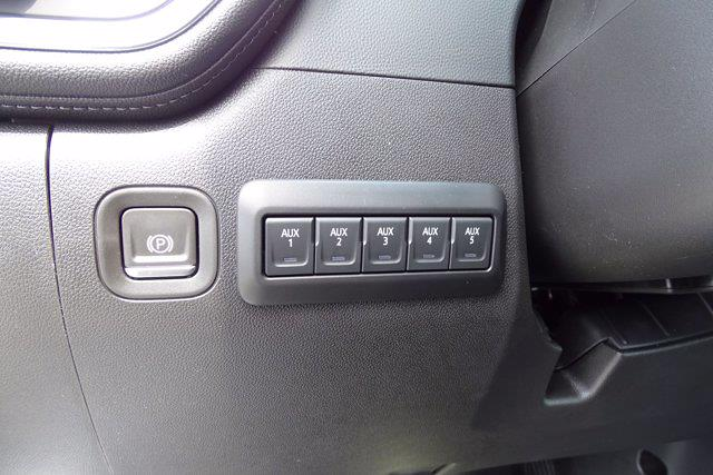2021 Chevrolet Silverado 3500 Crew Cab AWD, Cab Chassis #CM46303 - photo 12