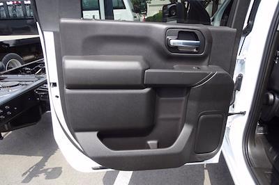 2021 Chevrolet Silverado 3500 Crew Cab AWD, Cab Chassis #CM46303 - photo 19