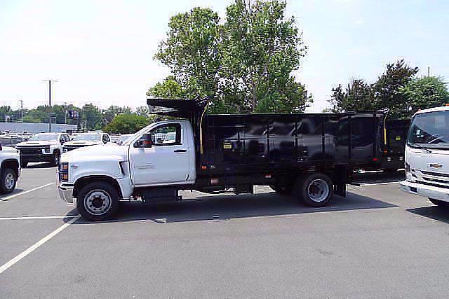 2021 Silverado 5500 Regular Cab DRW 4x2,  PJ's Truck Bodies Landscape Dump #CM75181 - photo 4