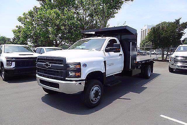 2021 Chevrolet Silverado 5500 Regular Cab DRW 4x4, PJ's Landscape Dump #CM75630 - photo 4