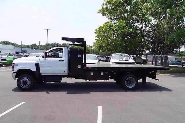 2021 Chevrolet Silverado 5500 Regular Cab DRW 4x4, PJ's Platform Body #CM75632 - photo 4