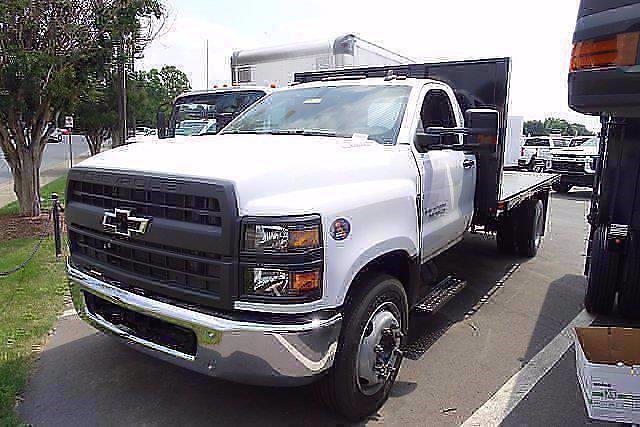 2021 Silverado 5500 Regular Cab DRW 4x2,  PJ's Truck Bodies Platform Body #CM75637 - photo 4