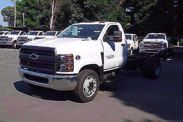 2021 Silverado 5500 Regular Cab DRW 4x2,  Cab Chassis #CM98254 - photo 3