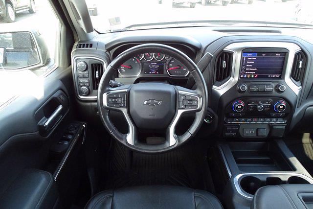 2020 Chevrolet Silverado 1500 Crew Cab 4x4, Pickup #DM87940A - photo 16