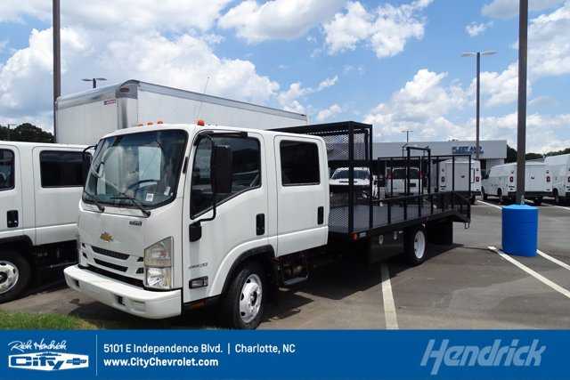 2019 Chevrolet LCF 4500 Crew Cab 4x2, Womack Truck Body Dovetail Landscape #F802805 - photo 1