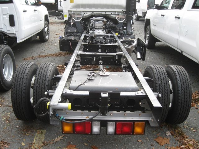 2016 LCF 3500 Regular Cab Cab Chassis #FF01603 - photo 9