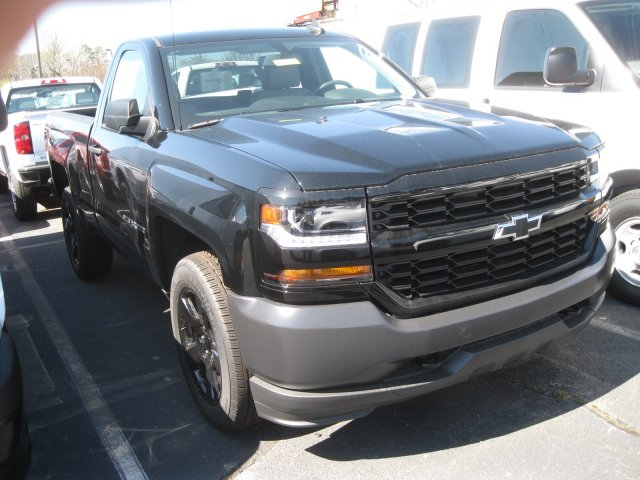 2017 Silverado 1500 Regular Cab 4x4, Pickup #M112038 - photo 3