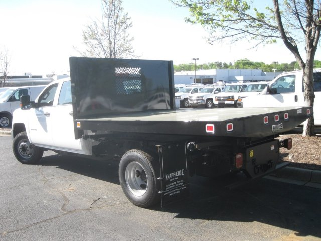 2017 Silverado 3500 Crew Cab 4x4 Platform Body #M132996 - photo 11