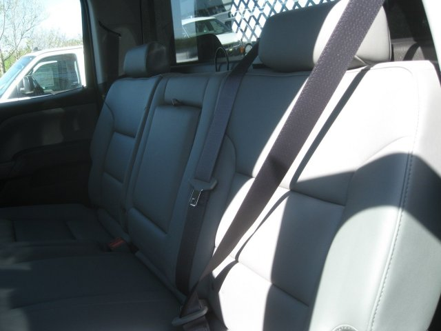 2017 Silverado 3500 Crew Cab 4x4 Platform Body #M132996 - photo 33