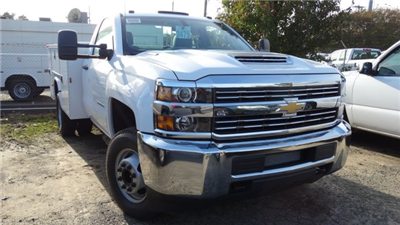 2018 Silverado 3500 Regular Cab DRW, Knapheide Standard Service Body #M133955 - photo 3