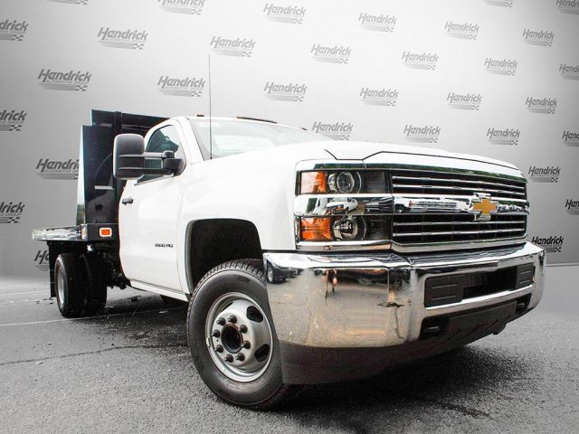 2017 Silverado 3500 Regular Cab Platform Body #M134466 - photo 3