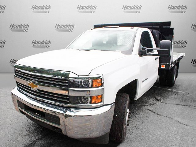 2017 Silverado 3500 Regular Cab Platform Body #M134466 - photo 4