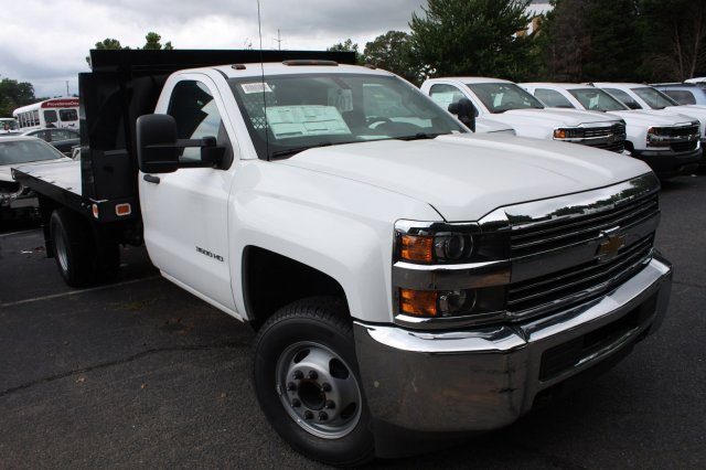 2017 Silverado 3500 Regular Cab Platform Body #M134466 - photo 35