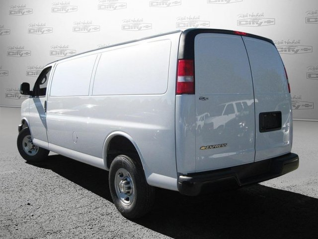2017 Express 2500 Cargo Van #M136168 - photo 7