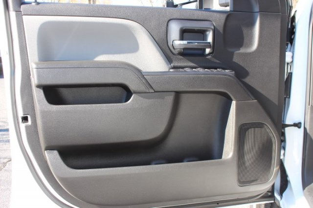 2019 Silverado 2500 Double Cab 4x2,  Reading Service Body #M142660 - photo 11