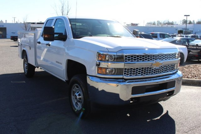 2019 Silverado 2500 Double Cab 4x2,  Reading Service Body #M142660 - photo 3
