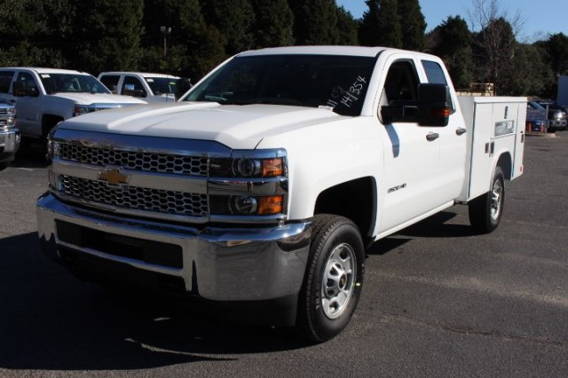 2019 Silverado 2500 Double Cab 4x2,  Reading Service Body #M142660 - photo 4