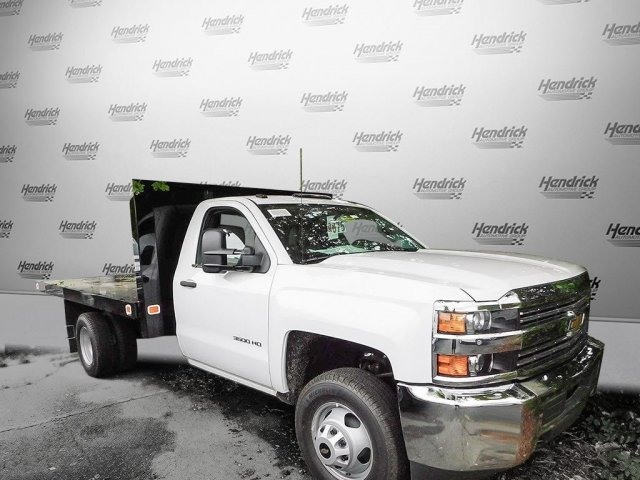 2017 Silverado 3500 Regular Cab Platform Body #M146781 - photo 4