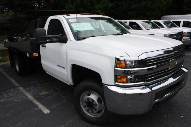 2017 Silverado 3500 Regular Cab, Knapheide Platform Body #M148496 - photo 31